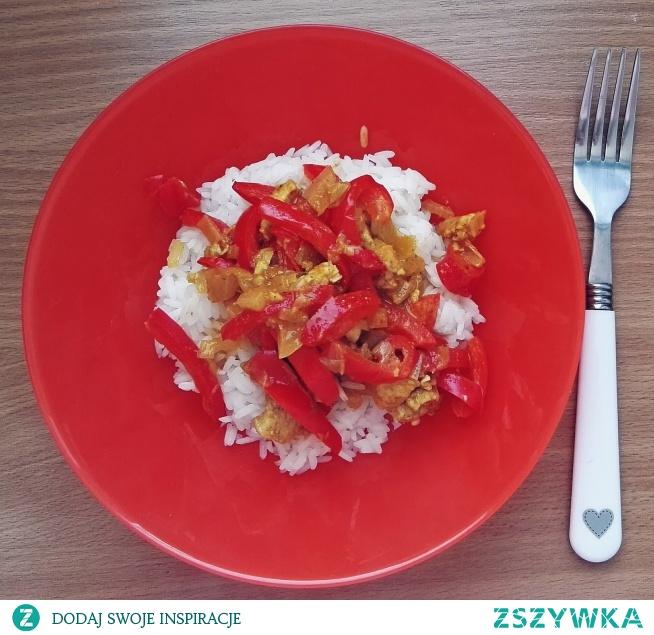 KURCZAK CURRY Prosty, szybki i pyszny przepis na najbardziej znane danie kuchni tajskiej: kurczaka curry.  Przepis po kliknięciu w zdjęcie.
