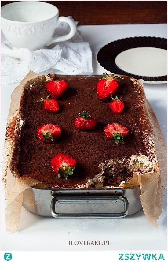 Ciasto tiramisu z truskawkami