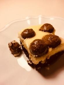 Cukierkowe ciasto Maltesers! :o  Składniki: - 100g cukru brązowego - 100g mas...