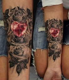 Diamentowe serce z różą. Piękny *.*