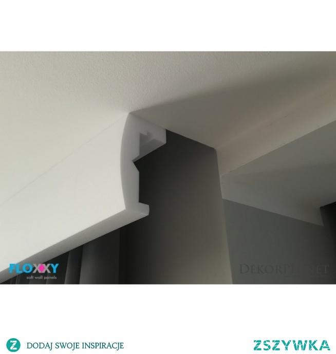 Oryginalne listwy do zabudowy karnisza firmy Floxxy to DLK1. Model DLK1 osłony karnisza sprawdza się także jako listwa w której możemy zastosować oświetlenie LED. Listwa do zabudowy karnisza jest gładka z subtelnie łukowatym profilem. Dany model maskownicy możemy zamówić w różnych wysokościach tak aby idealnie dopasować do wnętrza. Osłona karnisza DLK1 posiada różne opcje podświetlenia LED.