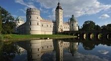 Zamek w Krasiczynie (niedal...
