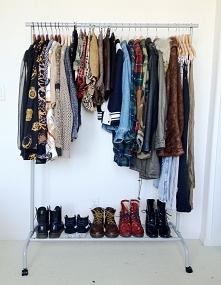 WIELKA WYPRZEDAŻ SZAFY Wyprzedaż szafy. Różne rzeczy, dla różnych osób :)  Niektóre rzeczy prosto ze sklepu  Na pewno znajdziesz coś dla siebie Do zaoferowania mam : -sukienki r...
