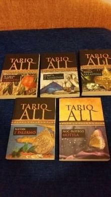 """sprzedam serię książek """"Kwintet muzułmański"""" -Tariq Ali  Seria składa się z pięciu książek :  - """"W cieniu drzewa granatu""""  - """"Księga Saladyna""""  - &..."""
