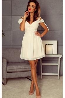 Szyfonowa sukienka z opadającymi ramiączkami to bardzo elegancka a zarazem delikatna sukienka.