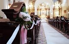 Delikatna dekoracja kościoła