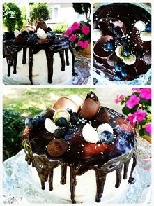 #cake #birthdaycake #sweet #delicious #nakedcake #dripcake