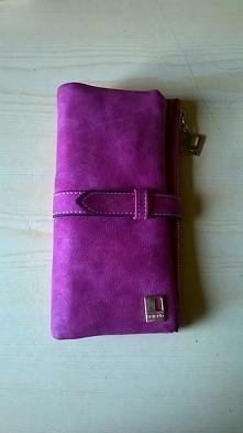 Różowy portfel ze skóry zam...
