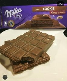 Taka pyszna nowość od Milki ! Duża czekolada  mleczna z nadzieniem o smaku ka...