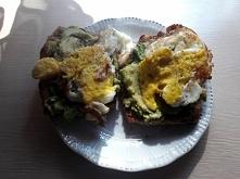 dzisiaj tosty z awokado i j...