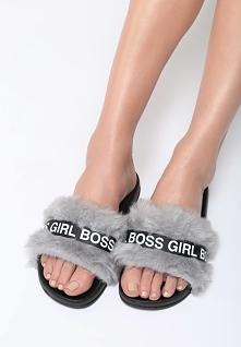 Szare Klapki Girl Boss