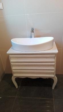 stare na nowe, stara komoda odnowiona jako umywalka