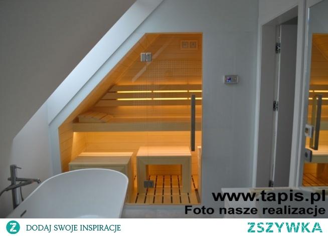 Sauna Design w białej łazience. Producent: TAPIS.PL