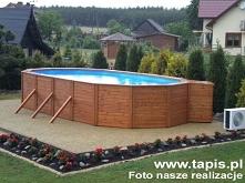 Basen drewniany o długości 9 metrów z filtrem piaskowym i pompą ciepła. Producent: TAPIS.PL