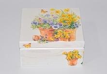 kolorowe drewniane szkatułk...
