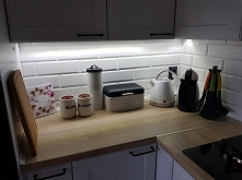 Kuchnia - akcesoria kuchenne , podświetlenie pod szafkami
