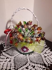 koszyczek z cukierkami