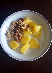 TYDZIEŃ OWSIANKOWY : DZIEŃ 6 -  Owsianka z ananasem i mixem orzeszków plus si...