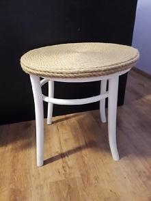 stolik zrobiony z krzesła