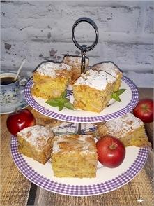 Prosty jabłecznik z cynamonem