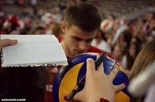Redaktor: Mariusz, powiedz mi, jakie słowo pada najczęściej na boisku? Marius...