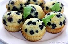 Muffinki z jagodami    (otr...
