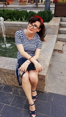 Czerwona bandama i sukienka w paski. Plażowo i marynistycznie. Jest nowy wpis na blogu. Zaprasza.