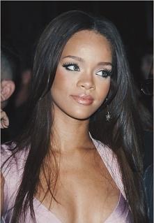 Prawda, że była piękna w długich, naturalnych włosach?