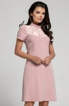 Nommo NA306 sukienka pudrowy róż Sukienka idealna na wyjątkowe uroczystości i specjalne okazje ,góra dopasowana ozdobiona kwiatową koronką, sukienka z krótkim rękawem, dół delik...