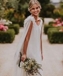 Piękne ramiona sukienki