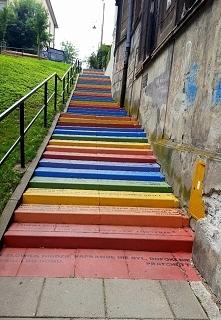 Kraków - tęczowe schody, na...
