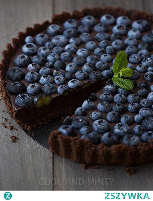 Tarta czekoladowa z borówkami