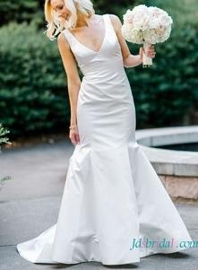 Artykuł: H1620 Szykowna suknia ślubna w stylu syreny po szyję Cena >>> 388 USD Bezpłatna wysyłka na cały świat
