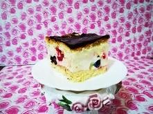 Ciasto  Pełnia  Lata   Zaznaczam że przepis jest na dość dużą blachę 27 cm. x 39 cm. Można sobie zmniejszyć ilość składników .  Biszkopt , tym razem z olejem i octem jabłkowym  ...