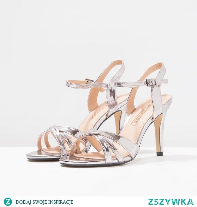 Szukasz idealnych sandałków dla panny młodej? Zajrzyj na bloga ślubnego Panna Allure :)