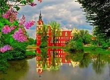 Piękny zamek Bad Musaku w Niemczech. Zapraszamy na puzzlefactory.pl