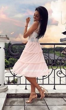 Tiulowa, midi sukienka z ko...