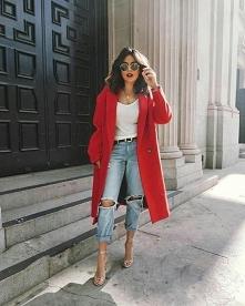 ten czerwony płaszcz