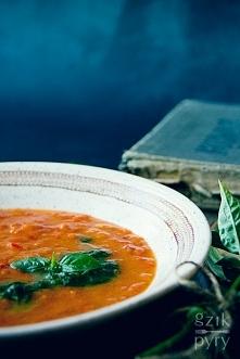Kremowa zupa pomidorowa z p...