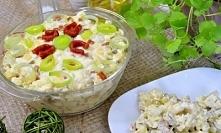 Szybka sałatka z kabanosem i serem żółtym