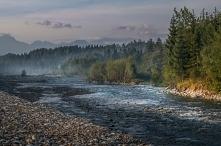 Rzeka Białka a w tle Tatry <3