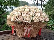 Kosz z kwiatami na dożynkach w Ugoszczu