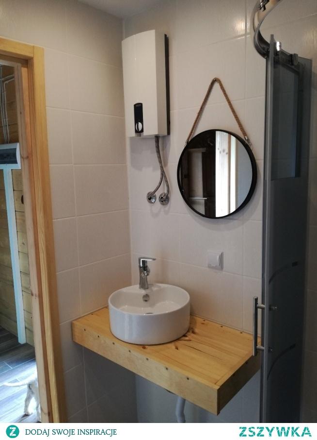 Łazienka w domku zrobiona od podstaw
