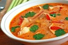Zupa Tom Kha Gai z kurczakiem.