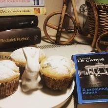 Proste muffinki  Składniki na ciasto: 2 szklanki mąki  2 łyżeczki proszku do ...