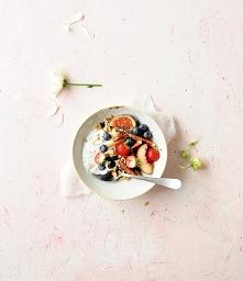 granola z suszonymi borówkami