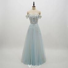 Piękne Błękitne Sukienki Na Bal 2018 Princessa Z Koronki Kwiat Aplikacje Perła Przy Ramieniu Bez Pleców Kótkie Rękawy Długie Sukienki Wizytowe