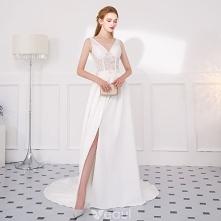 Stylowe / Modne Kość Słoniowa Sukienki Wieczorowe 2018 Princessa Z Koronki Kwiat Podział Przodu V-Szyja Bez Pleców Bez Rękawów Trenem Sąd Sukienki Wizytowe