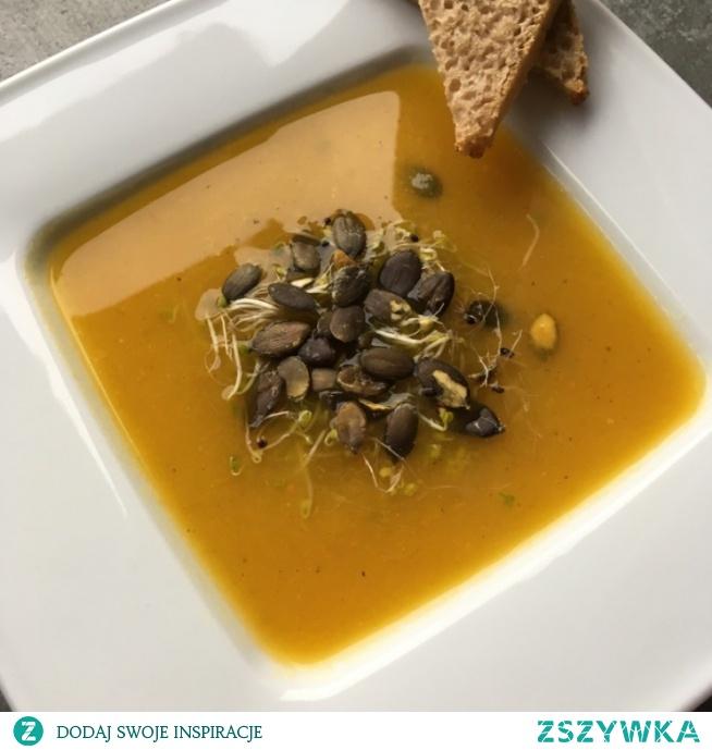 Dynia idealnie nadaje się na zupę typu krem :) Przepis znajdziecie po kliknięciu w zdjęcie.