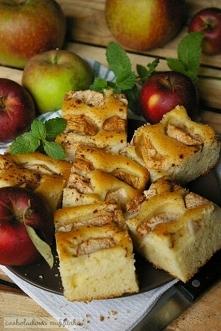 Ciasto jabłkowe z cynamonem.